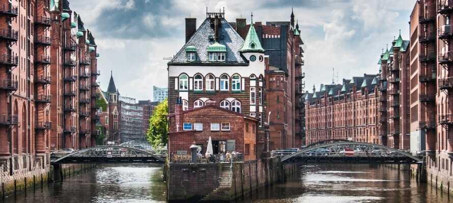 Det gamle pakhuskvarter, Speicherstadt, er forvandlet til en moderne bydel med mange fine museer og gallerier.