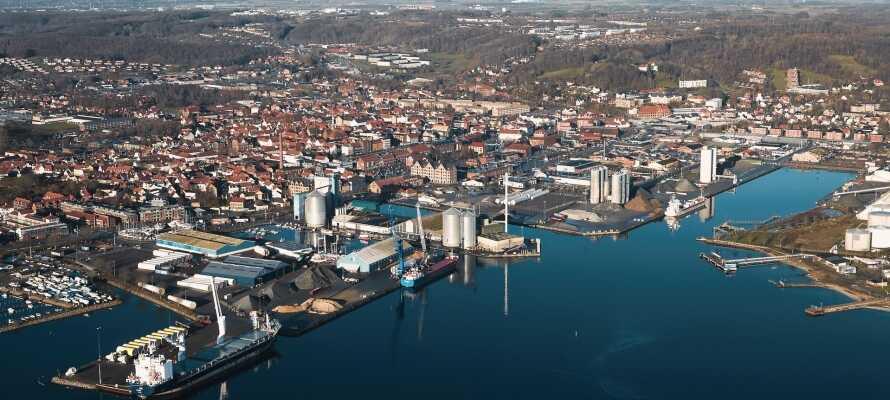 Besøk spennende byer som Tønder, Haderslev og Aabenraa.