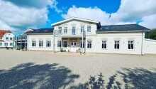 Velkommen til Hotel Kløver Es, som har en central placering i Sønderjylland.