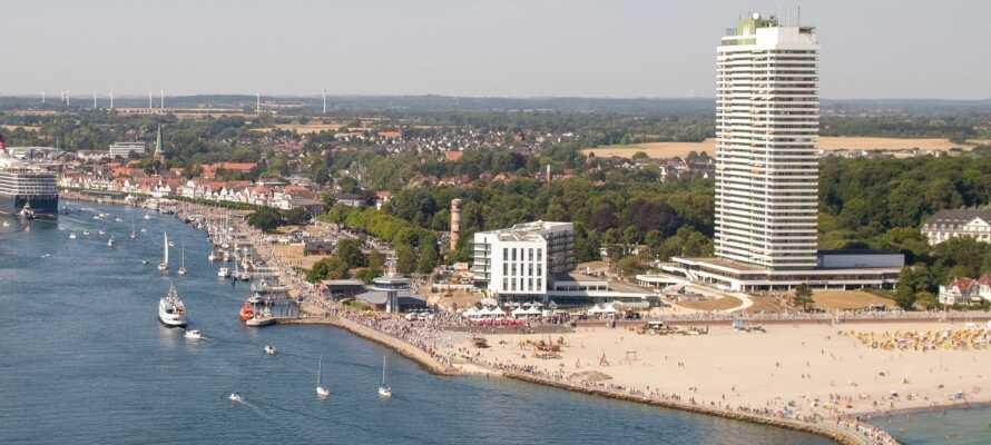 Maritim Strandhotel Travemünde har ett fantastiskt läge precis vid Östersjökusten, bara några få steg från stranden