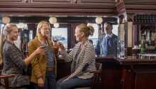 Slapp av med en drink i hotellets nydelige bar, 'Night Sailer'