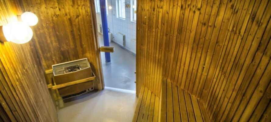 Efter en lang dag fuld af spændende oplevelser kan I koble af i hotellets sauna.