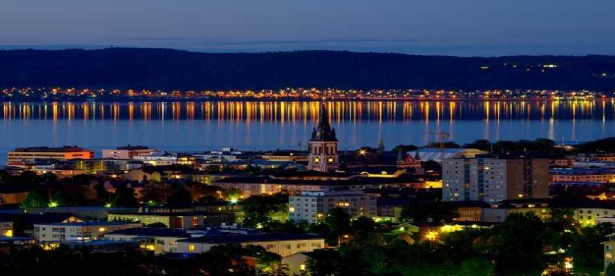 Jönköping ist eine wunderschöne Stadt, Tag und Nacht, und bietet viele verschiedene spannende Erlebnisse.