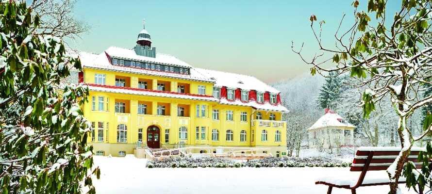 Das Hotel hat auch im Winter geöffnet. In der Region gibt es dann ideale Bedingungen zum Skifahren.