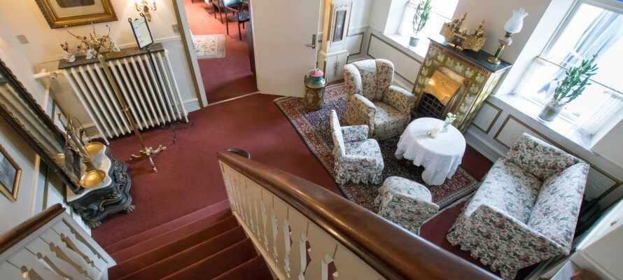 Hotellet er hyggeligt indrettet og her kan I slappe af i rolige omgivelser efter en oplevelsesrig dag i Vestjylland