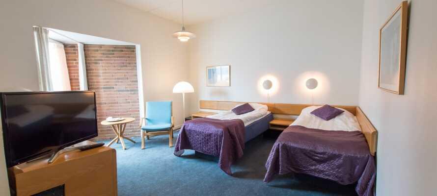 Hotellet er hyggelig innredet og her kan dere slappe av i rolige omgivelser etter en opplevelsesrik dag i Vestjylland