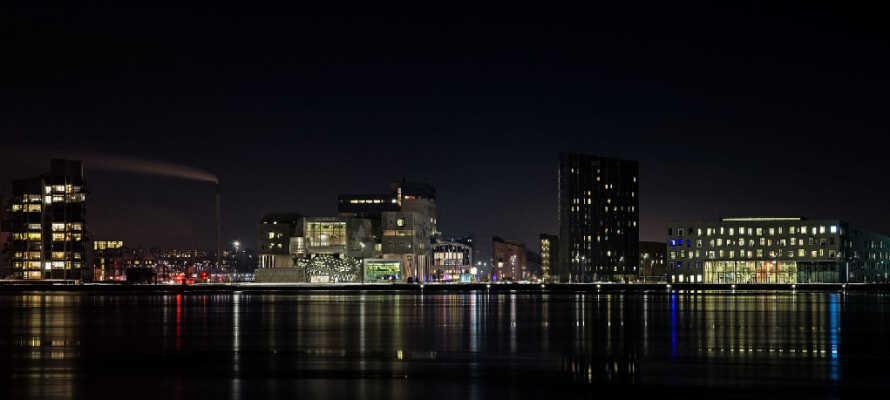 Kør en tur til Aalborg og nyd livet på den skønne havnefront eller tag på sightseeing i byen.