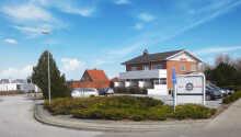 Hadsund Færgekros værelser ligger dejligt placeret i en separat bygning. Værelserne er med balkon eller terrasse