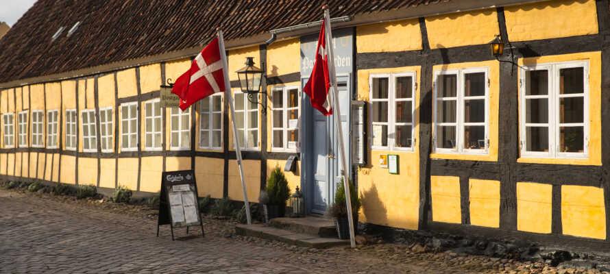 Postgården ligger vakkert i Mariager og har en ganske unik historisk atmosfære.