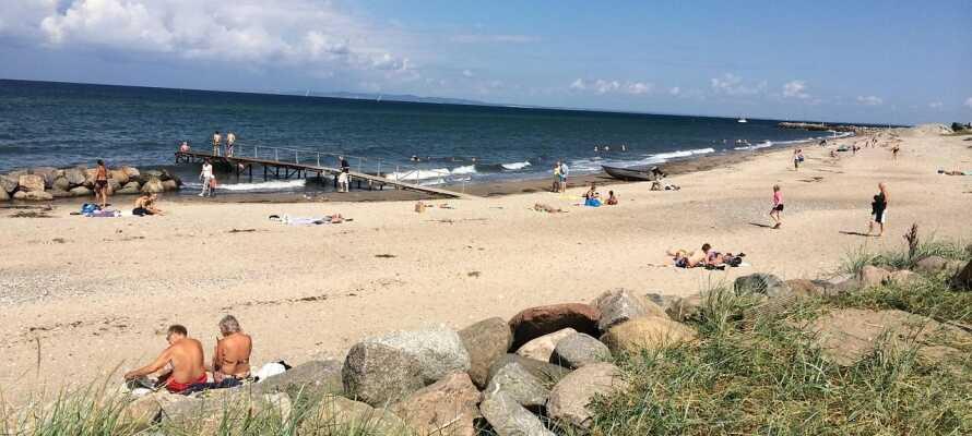 Nyd Jeres badeferie eller et romantisk parophold ved den smukke strand i Gilleleje.