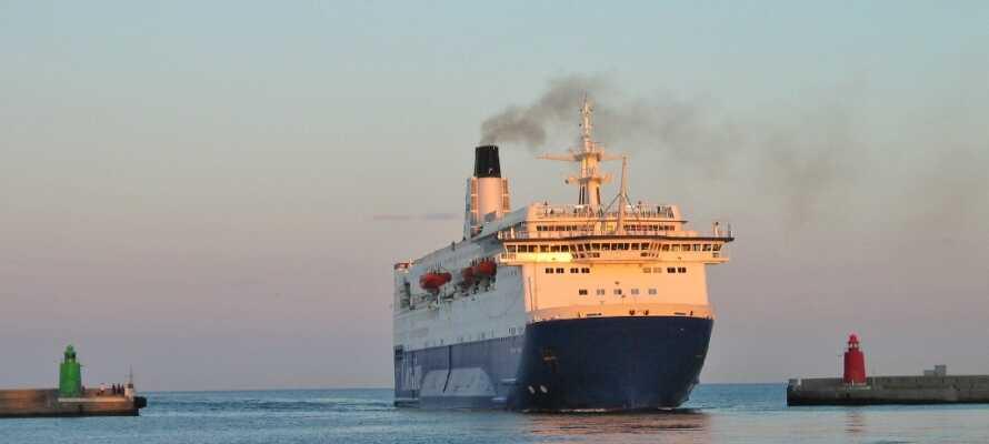 Hotellet ligger centralt i Fredrikshamn med kort avstånd till hamnen och havet.