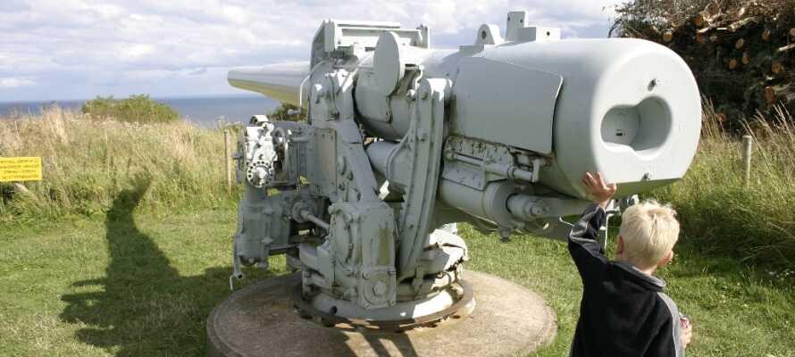 Kig ind på Bangsbo Museum og Botanisk Have og gå heller ikke glip af Fort Bunkermuseet som ligger kort derfra.