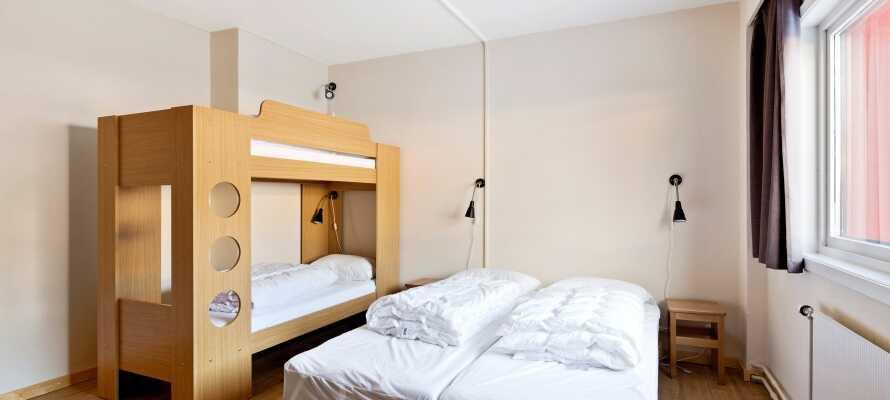 Lejlighederne er indrettet med op til to soveværelser med komfortable dobbeltsenge og køjesenge