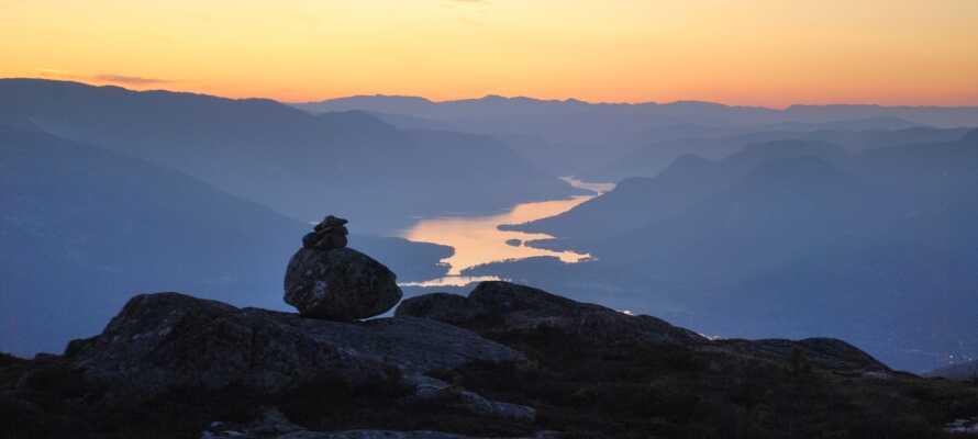 Udforsk det smukke område omkring Venelifjell, få kilometer uden for Vrådal, perfekt til vandre- og cykelture