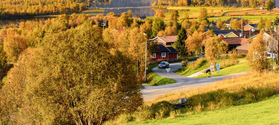 Hotellet er omgivet af den rå og smukke norske natur, og alle sæsonernes farver er unikke.