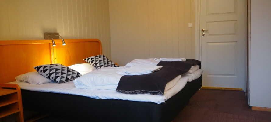 Die Zimmer sind modern und mit eigenem Badezimmer eingerichtet.