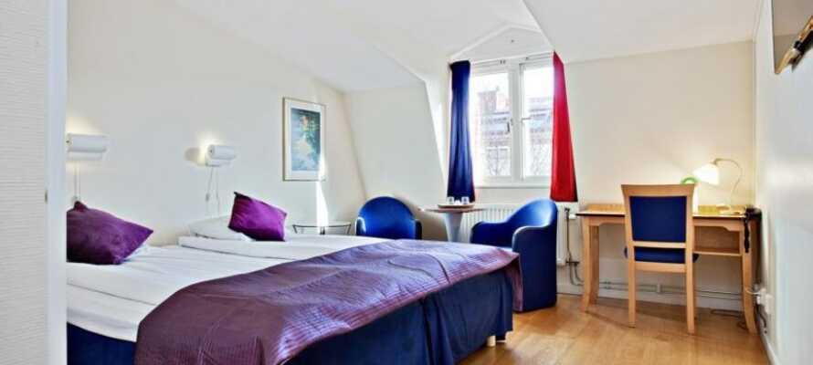 Alle hotellets værelser er moderne indrettet og danner en behagelig ramme om Jeres ophold på den svenske vestkyst.