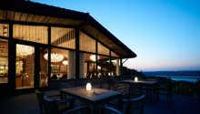 Dette 4-stjernes hotellet ligger omgitt av Munkebjergskogen i Vejle, med en super utsikt til Vejle Fjord.