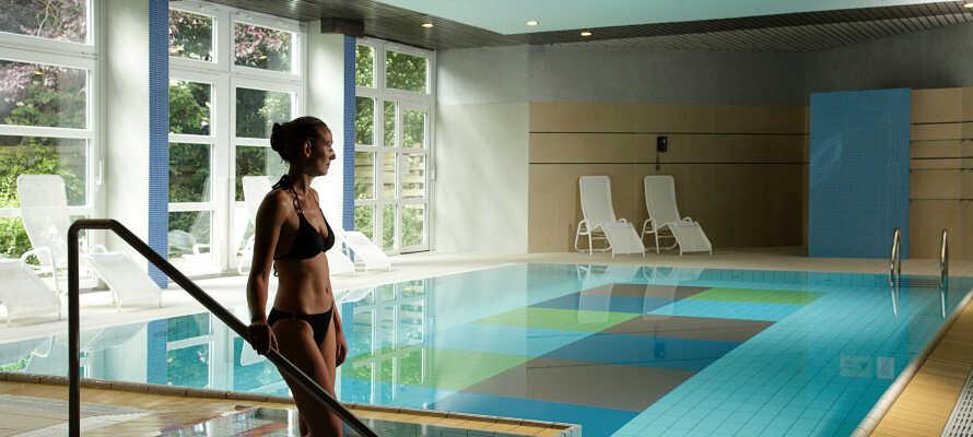 Hotellet byr på spa og velvære. Det er et herlig svømmebasseng, en badstue og et treningsrom til rådighet på hotellet.