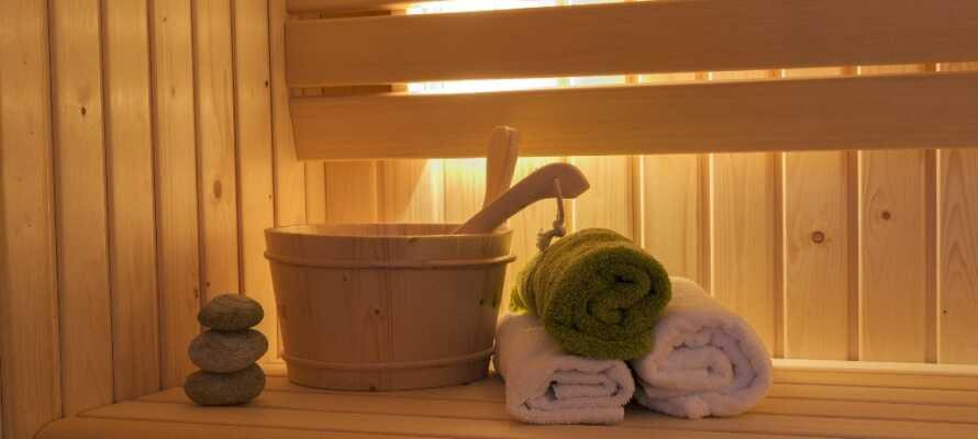 Forkæl Jer selv med wellness i form af spa, massage, sauna og relaxområde. Der er også fitnessudstyr til rådighed.