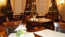 Hotellets værelser er fordelt over to etager og tilbyder en behagelig base for Jeres ophold