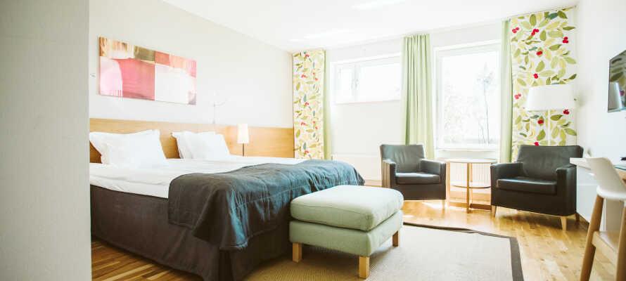 Her bor dere komfortabelt  i lekre omgivelser på hotellets dobbeltrom.