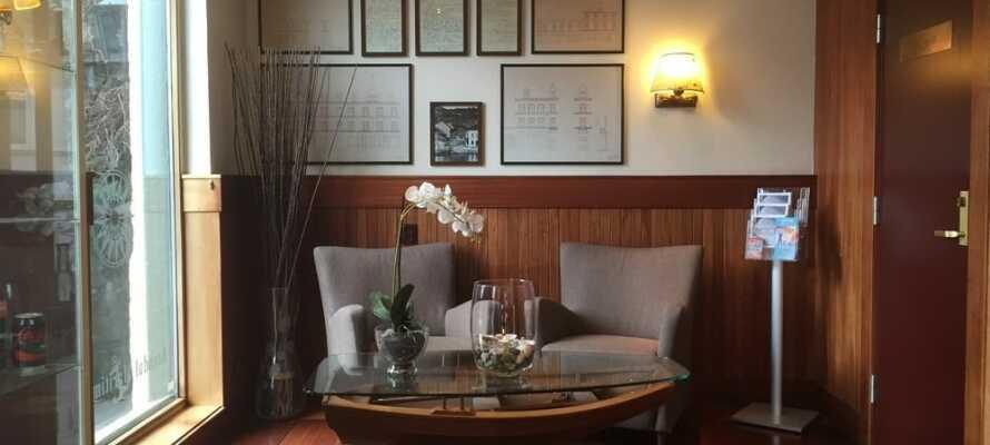 I hotellets restaurant kan I nyde en af byens bedste frokoster. Aftensmaden er inkluderet i vores opholdspakke.