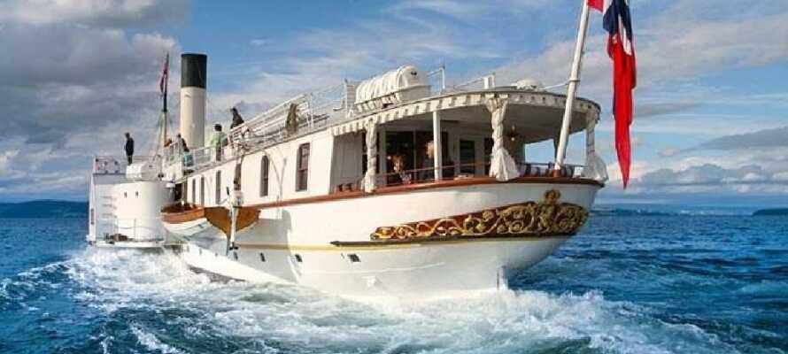 Passa på att njuta av en båtresa ombord på 'Skiblandneren' som är en av världens äldsta hjulångare.