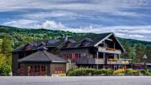Välkommen till mysiga Hunderfossen Hotell & Resort, endast 10 minuter från Lillehammer.