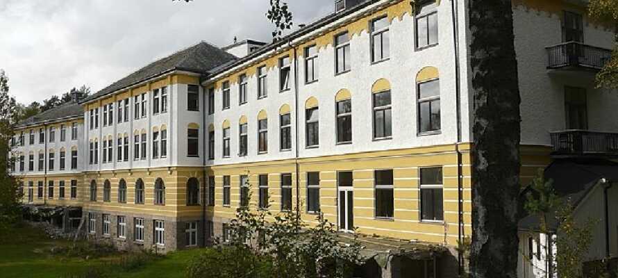 Landeskogen var oprindeligt et behandlingssted. I dag et Fredscenter med politiske aktiviteter og arrangementer.