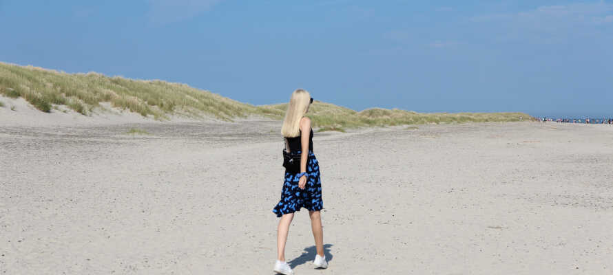 Besøk Danmarks nordligste punkt, Grenen, og stå med en fot i Skagerak og en andre i Kattegat.