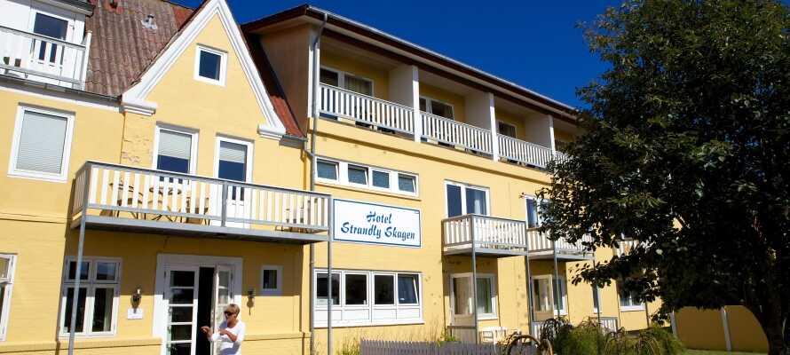 Hotel Strandly Skagen har ett fint läge med närhet till hamnen och stranden i Skagen.