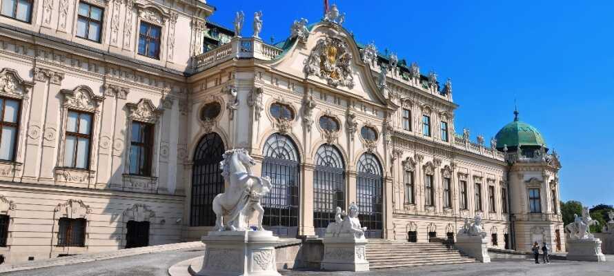 Åk på spännande sightseeing i historiska staden Wien, som bjuder på många fantastiska kulturhistoriska upplevelser.