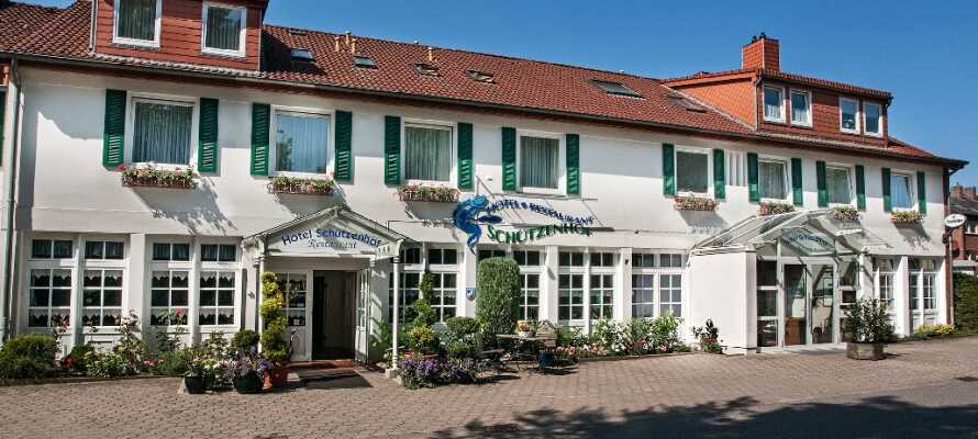 Bo på ett familjärt hotell med närhet till stranden och hamnen i Burgstaaken.