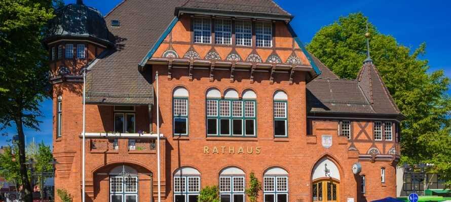 Rådhuset i Burg auf Fehmarn er en av byens mange interessante severdigheter, som dere kan kikke nærmere på.