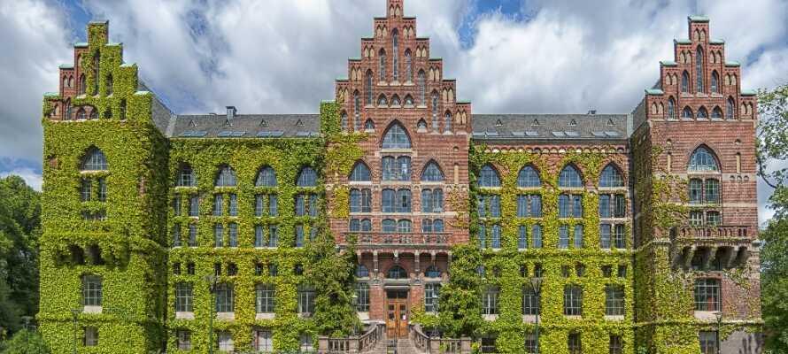 Se Lunds vakre universitetsbygning, et av Europas eldste universiteter. Historien strekker seg helt tilbake til 1425.