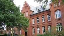 Det gamle gymnasium fra 1867 er bygget om og tilbyder nu en luksuriøs hoteloplevelse