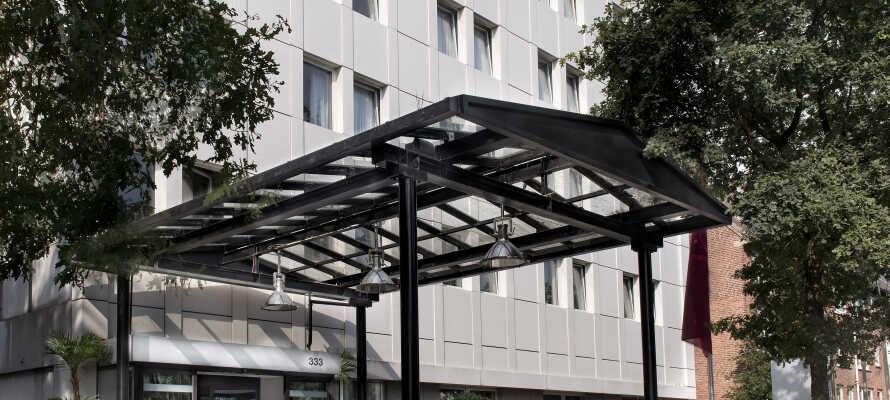 Park Hotel Hamburg Arena ligger i lille forstad 5 km. udenfor Hamburg og er dermed perfekt til et stop-over.