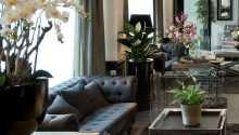Slap af i de bløde møbler i lobbyen