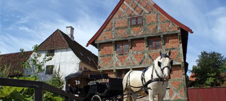 En gåtur i Den Gamle By er en tidsreise gjennom Danmarks historie og en opplevelse for hele familien