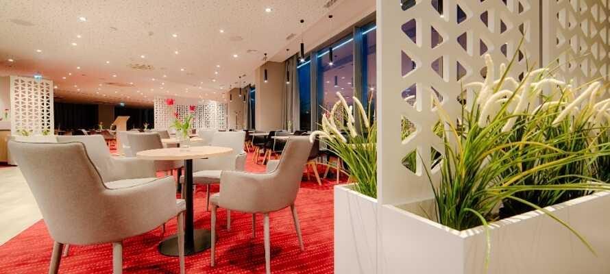 Die Hotelbar bieten gute Getränke, Wein und Bier  nach Belieben und Geschmack - ein schöner Ort, um den Tag ausklingen zu lassen.