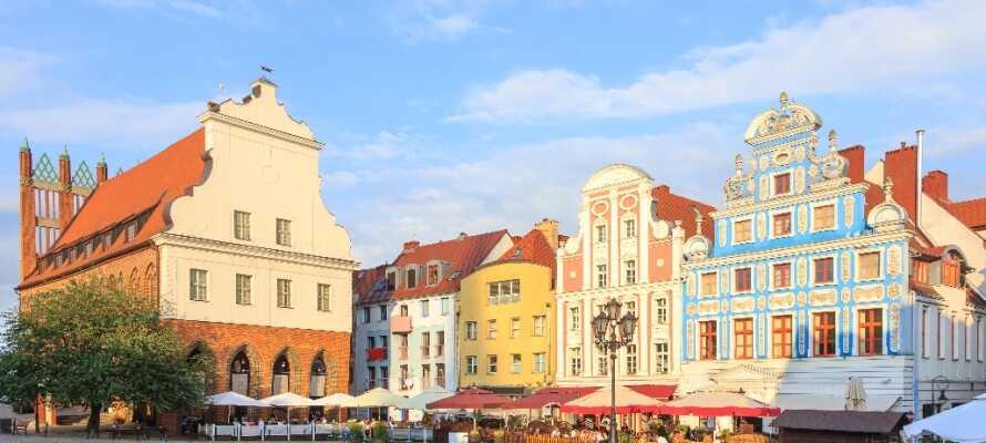 Den historiske delen av det gamle bysentrumet med torget og rådhuset i gotisk-barokk stil