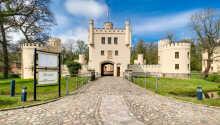 Hotellet er indrettet i en historisk Tudor-slotsbygning og ligger skønt i delstaten Sachsen-Anhalt