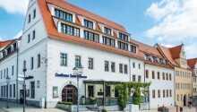 Gasthaus zum Schwan Oschatz är ett 4-stjärnigt värdshus.
