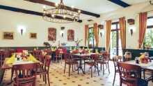 Vakna upp till en härlig frukost i restaurang Dornbachstube.