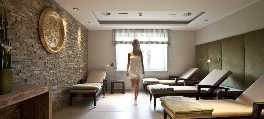 Forkæl Jer selv i hotellets 520m² store wellness- og spaområde, komplet med finsk sauna, massage og meget andet.