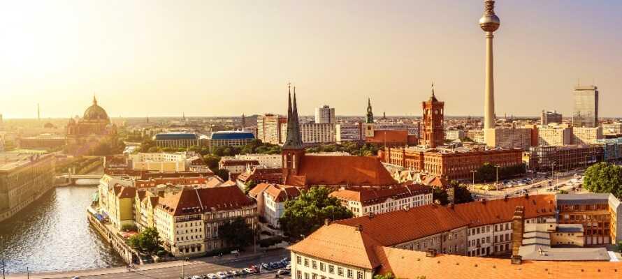 Dette hotellet ligger rolig til i bydelen Charlottenburg, i kort avstand fra undergrunnen og Berlins flotte sentrum.