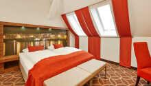 Hotellrommene tilbyr en hyggelig og behagelig setting for ditt opphold.