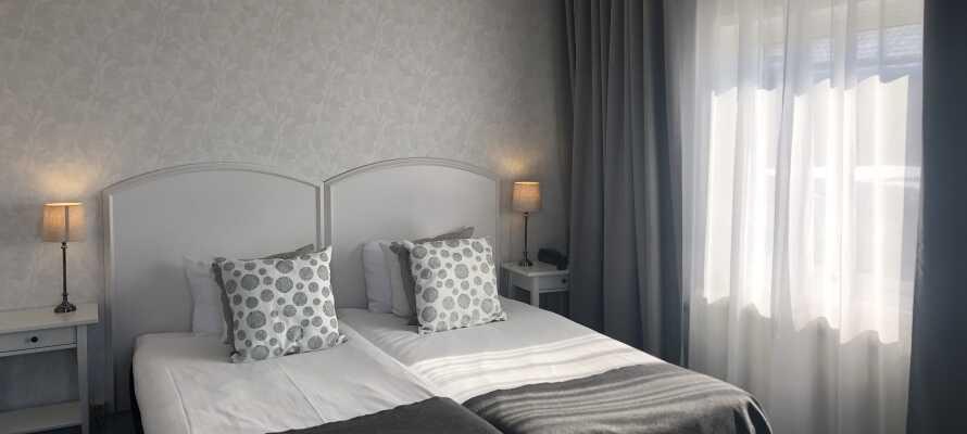 Hotellets værelser giver jer charmerende og komfortable rammer under opholdet.
