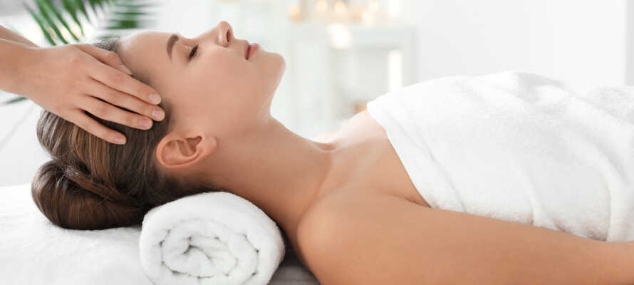 Det er mulig å bestille massasje- og spabehandlinger mot et gebyr.